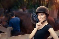 Puleggia tenditrice femminile felice Smiling Immagine Stock