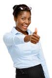 Pulgares afroamericanos felices de la empresaria para arriba aislados en blanco Fotos de archivo