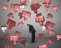 Pulgares que caen 3D abajo con el hombre cansado stock de ilustración