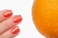 Pulimento de clavo anaranjado Fotos de archivo libres de regalías