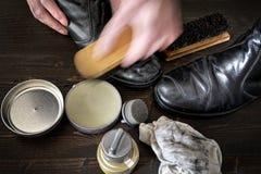 Pulimento de zapato Fotos de archivo libres de regalías