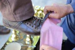 Pulimento de zapato Imágenes de archivo libres de regalías