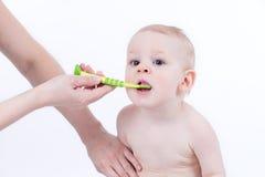 Pulire i denti Fotografia Stock Libera da Diritti