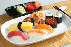 Pulisca ed alimento del giapponese dei sushi dell'igiene Fotografia Stock Libera da Diritti