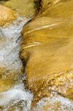 Pulisca il fiume della montagna Fotografie Stock Libere da Diritti