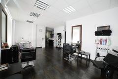 Pulisca il salone di capelli europeo Fotografia Stock Libera da Diritti