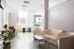 Pulisca il salone di capelli europeo Fotografia Stock