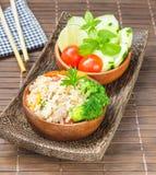 Pulisca l'alimento, il riso fritto con la verdura, la carne e l'uovo immagini stock libere da diritti