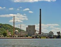Pulisca la centrale elettrica del carbone fotografie stock