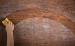 Pulitura del pavimento Fotografia Stock