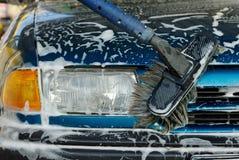 Pulitura dell'automobile Fotografia Stock