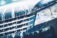 Pulizia attiva dell'automobile della schiuma Fotografia Stock Libera da Diritti