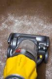 Pulizia del tappeto Fotografia Stock