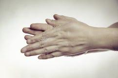 Pulizia della mano Immagini Stock