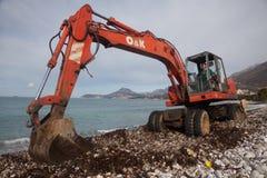Pulizia della spiaggia Fotografia Stock