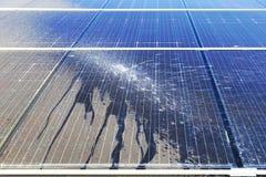 Pulizia fotovoltaica, prima e dopo immagine stock