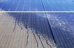 Pulizia fotovoltaica, prima e dopo fotografia stock