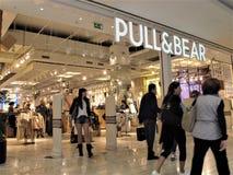 Pull&Bear modelager i Rome royaltyfri bild