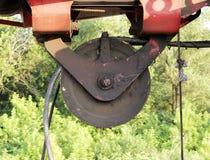 pulley od maszyny ciężkie - maszyna młotkować stosy w budowy drogowym złączu w Moskwa Obraz Royalty Free
