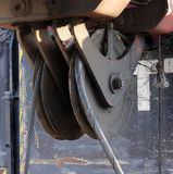 pulley od maszyny ciężkie - maszyna młotkować stosy w budowy drogowym złączu w Moskwa Zdjęcia Stock