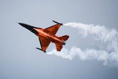 Pullover de F-16 Oange Images stock