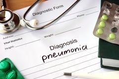 Pulmonía y estetoscopio de la diagnosis Fotos de archivo