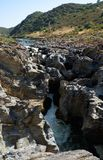 Pulo do Lobo Wolf ` s καταρράκτης πηδήματος και καταρράκτης του ποταμού Guadia Στοκ εικόνες με δικαίωμα ελεύθερης χρήσης
