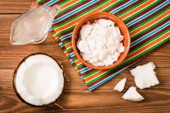 Pulpe de noix de coco et de lait de noix de coco photographie stock libre de droits