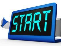 Pulsante di avvio sull'orologio che mostra inizio o attivazione Immagini Stock Libere da Diritti