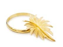 Pulsera y broche del oro de la vendimia Imagen de archivo libre de regalías