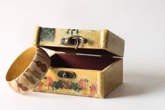Pulsera y joyero de madera Fotografía de archivo libre de regalías