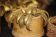 Pulseras de cobre medievales para la venta Fotos de archivo libres de regalías