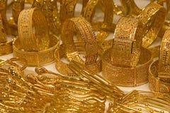 Pulseras, oro Souq de Dubai Imagenes de archivo