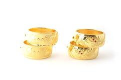 Pulseras tradicionales del oro foto de archivo