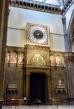 Pulso de disparo antigo nos di Santa Maria del Fiore da basílica, Florença imagens de stock royalty free