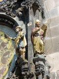 Pulso de disparo astrológico de Praga, detalhe de estátuas, República Checa fotografia de stock