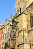 Pulso de disparo astronômico bonito de Praga, Orloj, situado na praça da cidade velha no centro histórico de Praga, República Che foto de stock