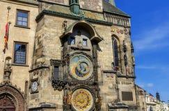 Pulso de disparo astronômico Orloj em Praga - carrilhões famosos fotos de stock royalty free