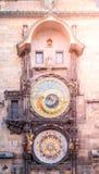 Pulso de disparo astronômico, aka Orloj de Praga, na cidade velha Hall Tower, praça da cidade velha, Praga, República Checa Imagens de Stock Royalty Free
