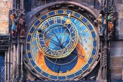 Pulso de disparo astronômico famoso Orloj em Praga imagem de stock