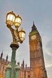 Pulso de disparo da torre de Ben grande em Londres, Inglaterra Imagens de Stock Royalty Free