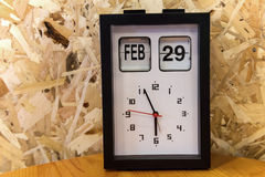 pulso de disparo de tabela com dia do 29 de fevereiro Imagem de Stock Royalty Free