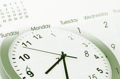 Pulso de disparo e calendário Fotografia de Stock Royalty Free