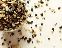 Pulso natural do alimento do grama preto rachado imagens de stock royalty free