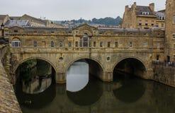 Pulteney Brücke im Bad England lizenzfreies stockfoto
