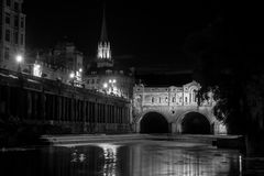 Pulteney Bridge and weir at night black and white stock photos