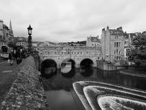 Pulteney most w skąpaniu w czarny i biały Zdjęcia Stock