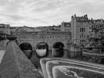 Pulteney most w skąpaniu w czarny i biały Zdjęcie Stock