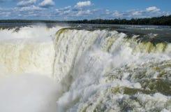 Pulvérisateurs de cascade de Garganta del Diablo des chutes d'Iguaçu Photos libres de droits