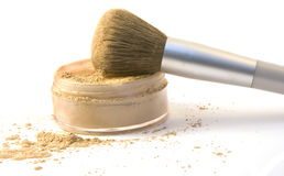 pulver för borstefundamentmakeup Royaltyfri Foto